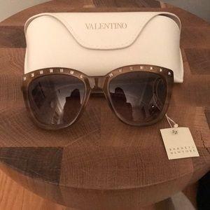 Valentino studded sunglasses new retails $345